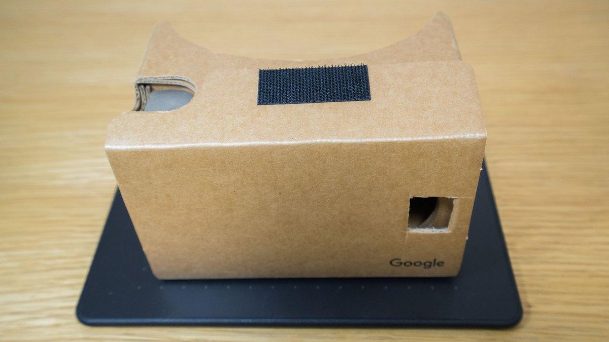 Google's Cardboard (GCC)
